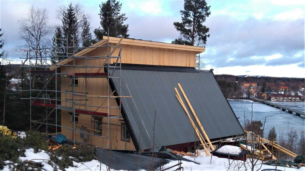 Tillbyggnad på berget, Södra Söre, Lit - Baksida bygge